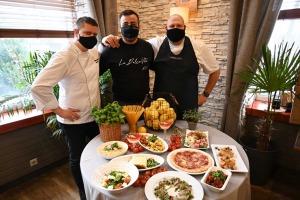 Restorāns «Hercogs Mārupe» ir viens no retajiem Pierīgā, kas pandemijas laikā var lepoties ar bagātīgu ēdienkarti 15