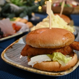 Restorāns «Hercogs Mārupe» ir viens no retajiem Pierīgā, kas pandemijas laikā var lepoties ar bagātīgu ēdienkarti 8