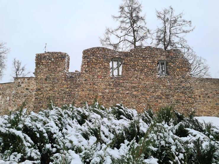Vidzemes pilsēta Valmiera ietērpjas ziemas rotās -