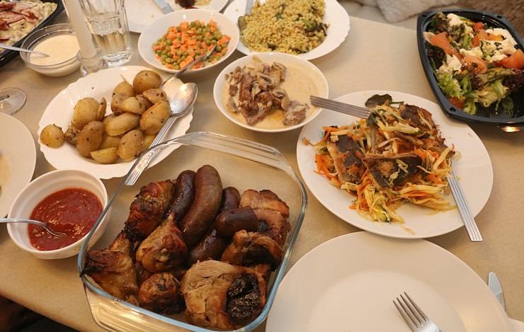 Travelnews.lv apceļo Latviju un cenšas noēst restorāna «Hercogs Mārupe» 90 eiro vērto «Brīvdienu kasti» 297260