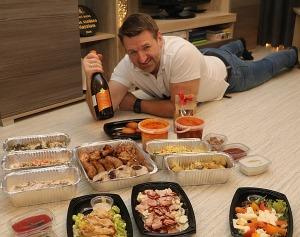 Travelnews.lv apceļo Latviju un cenšas noēst restorāna «Hercogs Mārupe» 90 eiro vērto «Brīvdienu kasti» 11