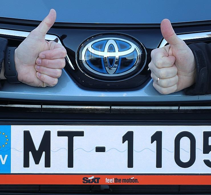 Auto noma «Sixt Latvija» saņem 15 jaunas «Amserv Motors» automašīnas 297747