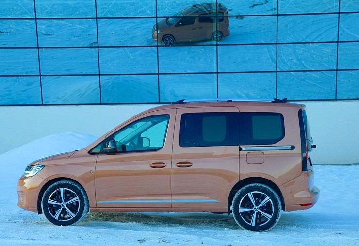 Travelnews.lv apceļo Latviju ar jauno «Volkswagen Caddy 5» 297761