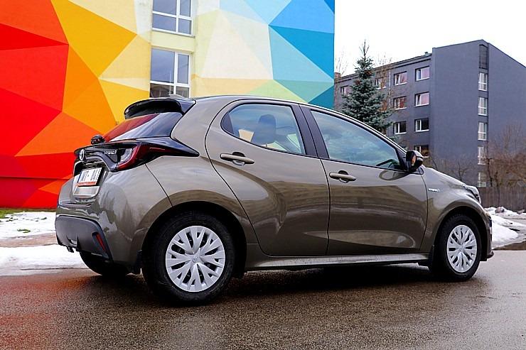 Travelnews.lv sadarbībā ar auto nomu «Sixt Latvija» apceļo Pierīgu ar jauno «Toyota Yaris Hybrid» 298010