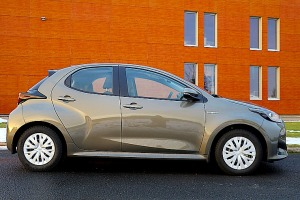 Travelnews.lv sadarbībā ar auto nomu «Sixt Latvija» apceļo Pierīgu ar jauno «Toyota Yaris Hybrid» 1