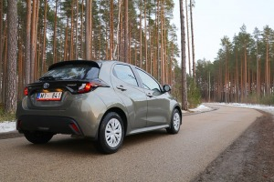 Travelnews.lv sadarbībā ar auto nomu «Sixt Latvija» apceļo Pierīgu ar jauno «Toyota Yaris Hybrid» 5