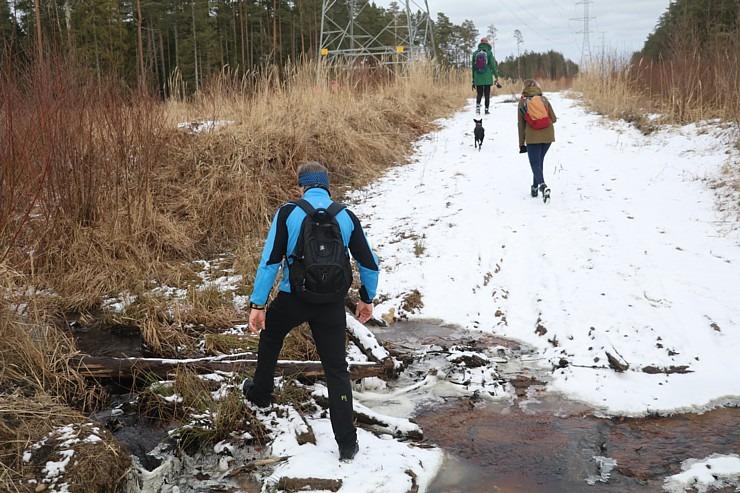 Travelnews.lv dodas 37 km pārgājienā Dundagas apkārtnē 2.daļa 298251