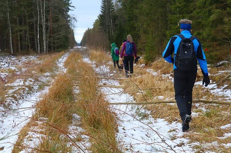 Travelnews.lv dodas 37 km pārgājienā Dundagas apkārtnē 2.daļa 298256