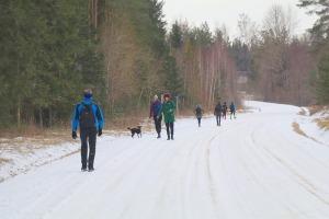 Travelnews.lv dodas 37 km pārgājienā Dundagas apkārtnē 3.daļa 18