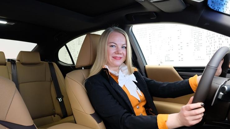 Auto noma «Sixt Latvija» saņem jaunu automašīnu «Lexus ES 300h Limited Edition FWD» 298568