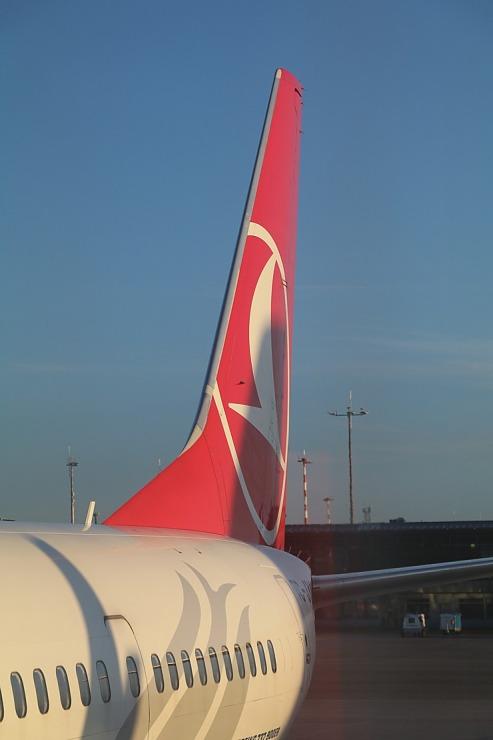 Pēc 375 dienu prombūtnes lidsabiedrības «Turkish Airlines» lidmašīna ir atkal Rīgas lidostā 299156
