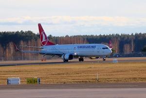 Pēc 375 dienu prombūtnes lidsabiedrības «Turkish Airlines» lidmašīna ir atkal Rīgas lidostā 12