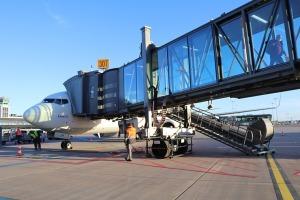 Pēc 375 dienu prombūtnes lidsabiedrības «Turkish Airlines» lidmašīna ir atkal Rīgas lidostā 16