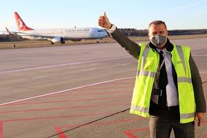 Pēc 375 dienu prombūtnes lidsabiedrības «Turkish Airlines» lidmašīna ir atkal Rīgas lidostā 1
