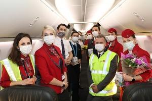 Pēc 375 dienu prombūtnes lidsabiedrības «Turkish Airlines» lidmašīna ir atkal Rīgas lidostā 23