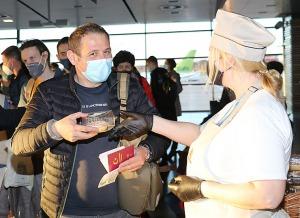 Pēc 375 dienu prombūtnes lidsabiedrības «Turkish Airlines» lidmašīna ir atkal Rīgas lidostā 28