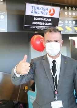 Pēc 375 dienu prombūtnes lidsabiedrības «Turkish Airlines» lidmašīna ir atkal Rīgas lidostā 3