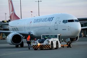 Pēc 375 dienu prombūtnes lidsabiedrības «Turkish Airlines» lidmašīna ir atkal Rīgas lidostā 31