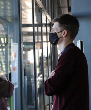 Pēc 375 dienu prombūtnes lidsabiedrības «Turkish Airlines» lidmašīna ir atkal Rīgas lidostā 33