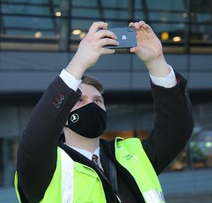 Pēc 375 dienu prombūtnes lidsabiedrības «Turkish Airlines» lidmašīna ir atkal Rīgas lidostā 34