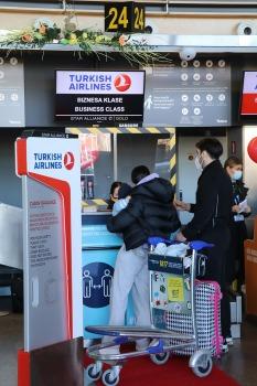 Pēc 375 dienu prombūtnes lidsabiedrības «Turkish Airlines» lidmašīna ir atkal Rīgas lidostā 4