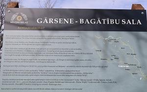 Travelnews.lv dodas 28 km pārgājienā Gārsenes apkārtnē 1.daļa 35