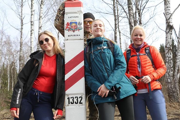 Travelnews.lv dodas 28 km pārgājienā Gārsenes apkā
