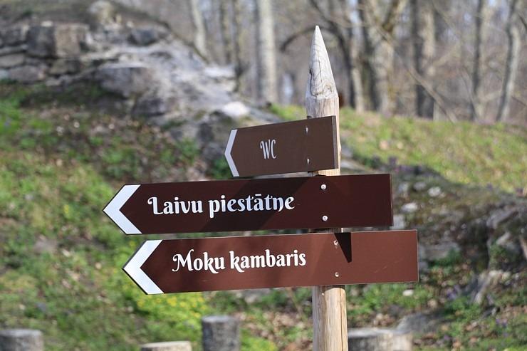 Travelnews.lv ar «Škoda Latvija» atbalstu apmeklē Kokneses pilsdrupas 299985