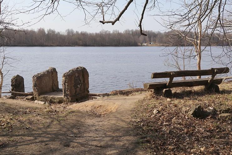 Kokneses parks starp Pērses un Daugavas krastiem ir burvīga atpūtas un pastaigu vieta 300080