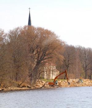 Kokneses parks starp Pērses un Daugavas krastiem ir burvīga atpūtas un pastaigu vieta 24