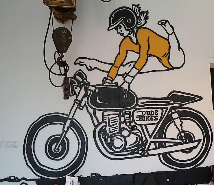 Travelnews.lv apmeklē pilsētas motociklu tirgotavu «Dude Bikes» Rīgā 300096
