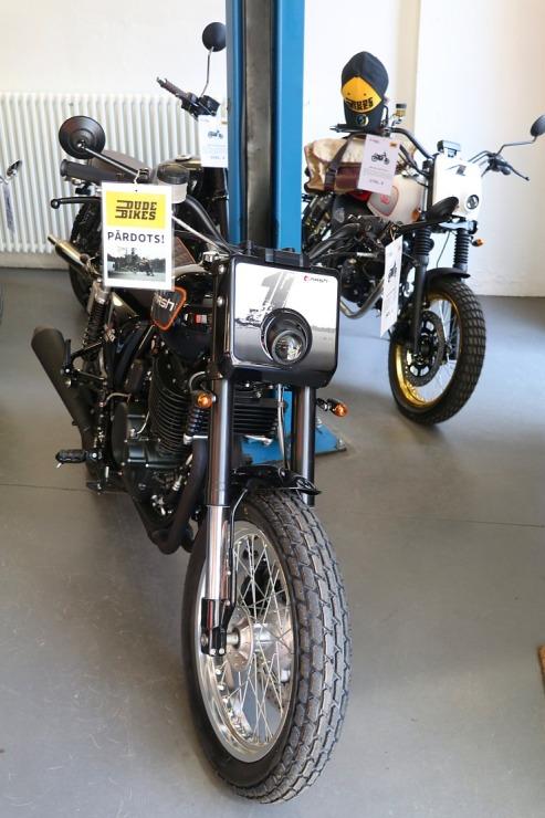 Travelnews.lv apmeklē pilsētas motociklu tirgotavu «Dude Bikes» Rīgā 300086