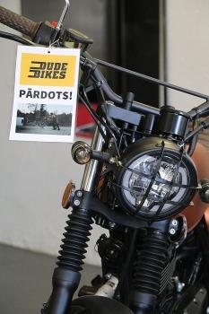 Travelnews.lv apmeklē pilsētas motociklu tirgotavu «Dude Bikes» Rīgā 11