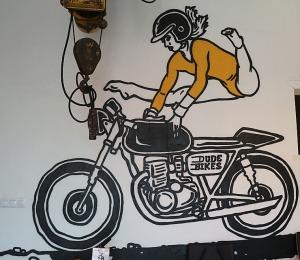 Travelnews.lv apmeklē pilsētas motociklu tirgotavu «Dude Bikes» Rīgā 12