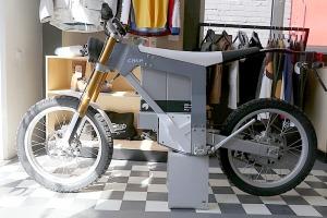 Travelnews.lv apmeklē pilsētas motociklu tirgotavu «Dude Bikes» Rīgā 6