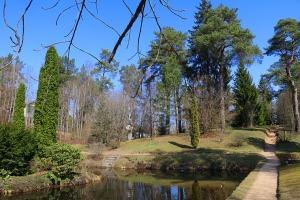 Travelnews.lv apmeklē dendroloģisko Špakovska parku Ogrē 25