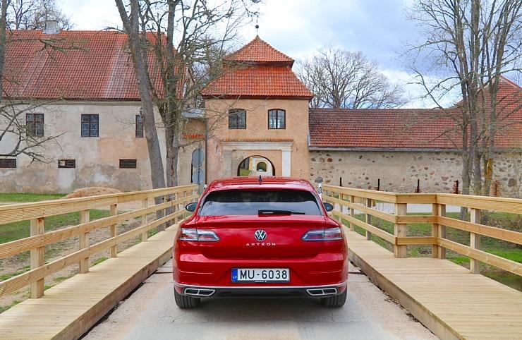 Travelnews.lv apceļo Latviju ar skaisto «Volkswagen Arteon Shooting Brake» 300346