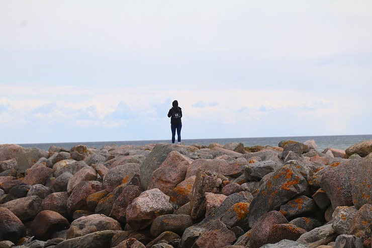 Travelnews.lv dodas 20 km pārgājienā gar Rīgas līča krastu Engures pusē 300889