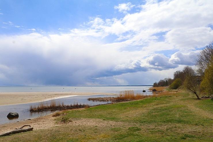 Travelnews.lv dodas 20 km pārgājienā gar Rīgas līča krastu Engures pusē 300866