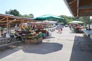 Travelnews.lv apmeklē Valmieras tirgu un iepazīst vietējās cenas 2