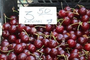 Travelnews.lv apmeklē Valmieras tirgu un iepazīst vietējās cenas 4