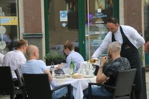 Saksijas pilsēta Cvikava slavējas ar garšīgu virtuvi un DDR laika būvētiem spēkratiem «Trabant» 2