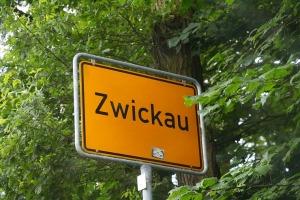 Saksijas pilsēta Cvikava slavējas ar garšīgu virtuvi un DDR laika būvētiem spēkratiem «Trabant» 1