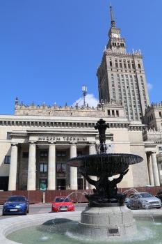 Travelnews.lv sadarbībā ar «AVIS Latvija» apceļo moderno un mūsdienīgo Varšavu 30