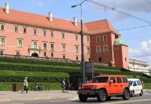 Travelnews.lv sadarbībā ar «AVIS Latvija» apceļo moderno un mūsdienīgo Varšavu 49