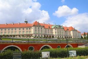 Travelnews.lv sadarbībā ar «AVIS Latvija» apceļo moderno un mūsdienīgo Varšavu 50