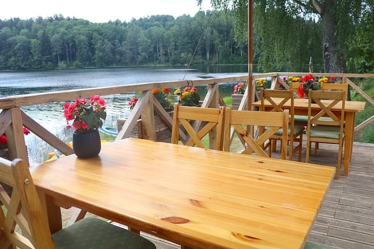 photo: Travelnews.lv izbauda kafejnīcas burvību Baltijas dziļākā ezera krastā - Sauliskolna Dreidzs