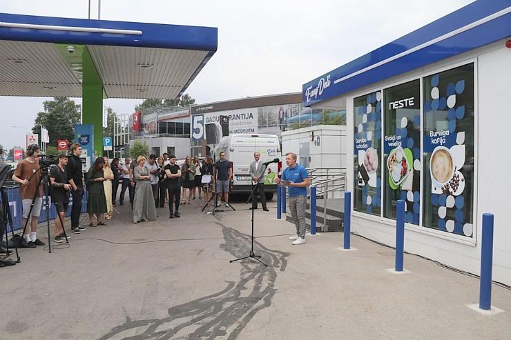 «Neste» sadarbībā ar «Paulig Latvija» atver Latvijā pirmo pašapkalpošanās veikalu «Neste Easy Deli» 304665
