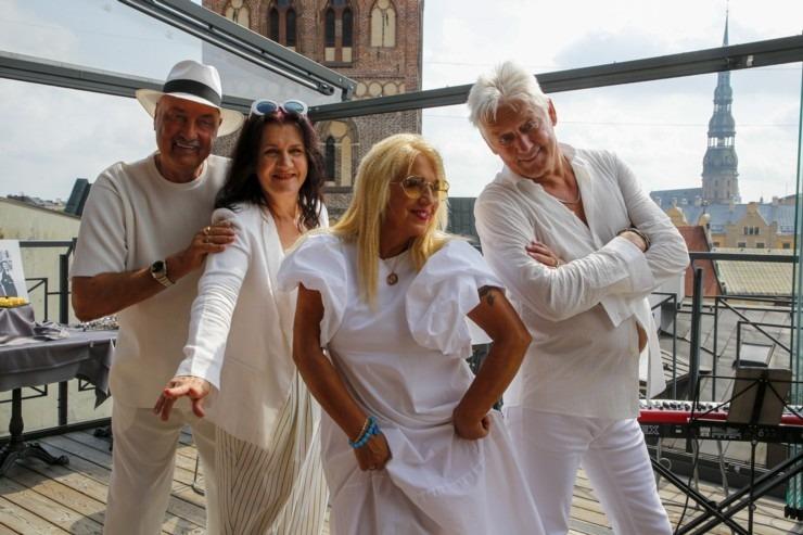 Grupa «EOLIKA» prezentē savu 40 gadu jubilejas kon
