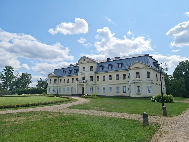 Travelnews.lv izbauda Krāslavas novada viesmīlību, kempingu «Siveri», 1500 lelles un Pauliņa keramiku 304999